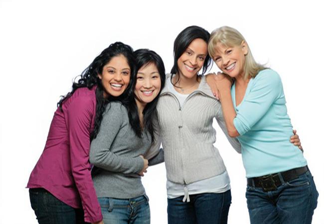Los brackets transparentes ayudan a solucionar problemas de mordida cruzada en jóvenes y adultos.