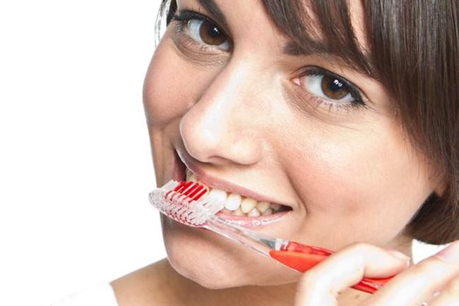 Si tienes una buena higiene dental, los efectos secundarios del cáncer serán menores.